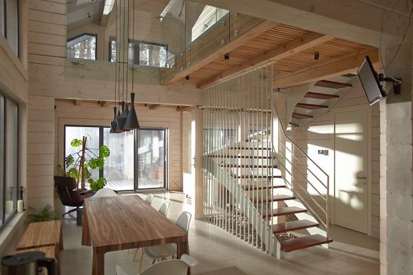 12.階段スペースの活用術。収納や家族の憩いの場に_1