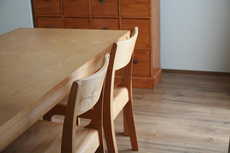 無垢材のダイニングテーブル用オイル