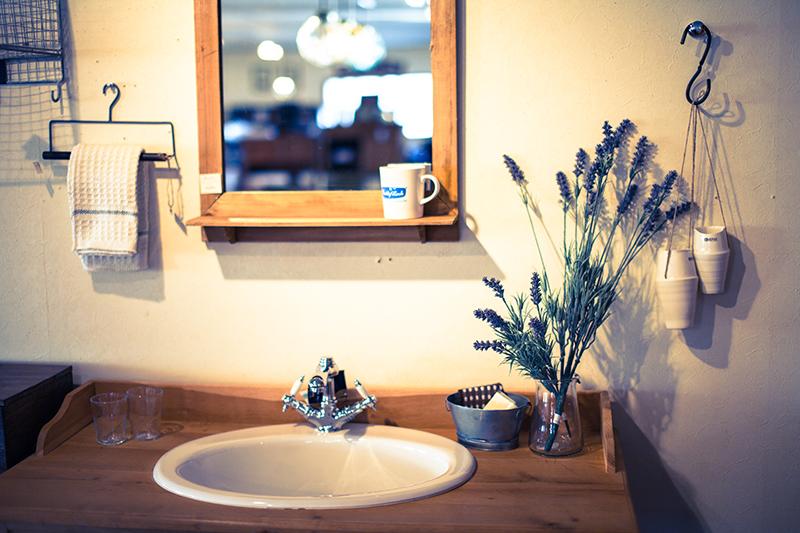 無垢材との相性も良い、ナチュラルな家に取り入れたい自然素材